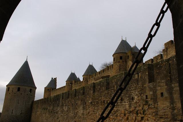 Mura di Carcassonne dall'ingresso principale