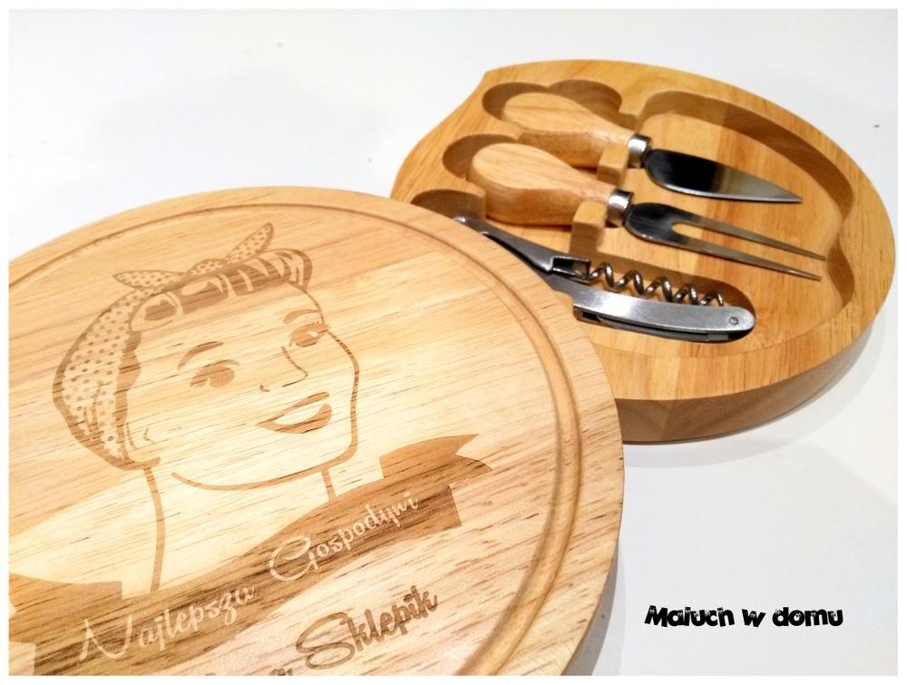 Personalizowana deska do serów ze sztućcami i otwieraczem