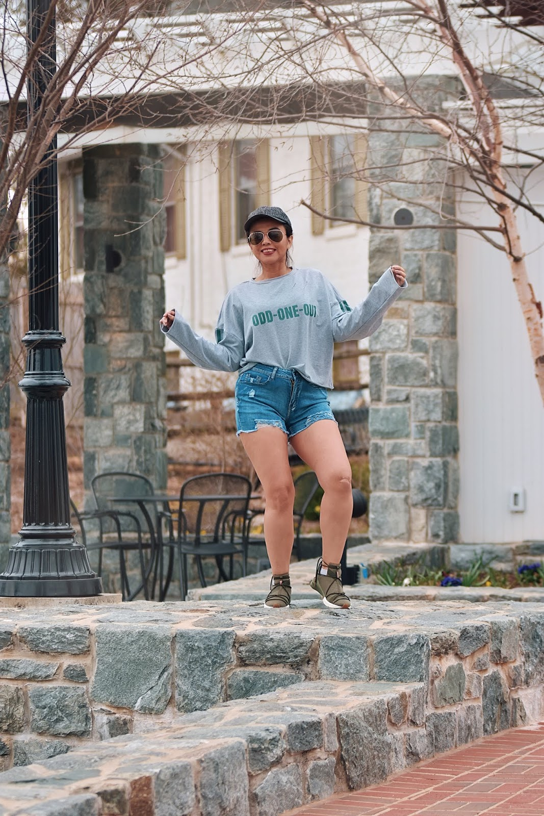 Distressed Denim Shorts by Mari Estilo-lookbook-streetstyle-fashionblogger-dcblogger-fashionista-coachella-