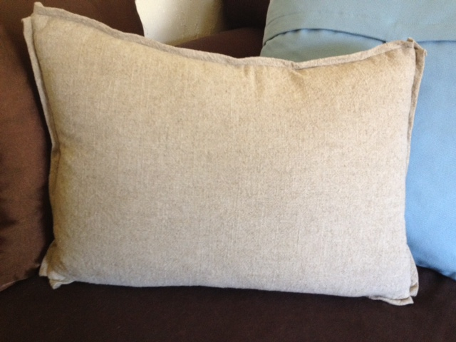 Sew Passionate: Linen Pillow with Added Flat Flange