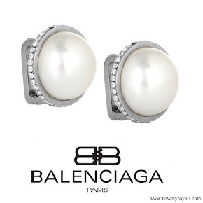Kate Middleton Balenciaga Eugenia Pearl Stud Earrings