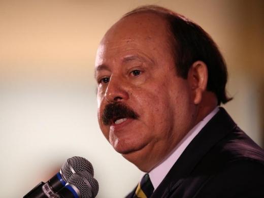 Morre, aos 69 anos, Levy Fidelix, presidente do PRTB e defensor do aerotrem