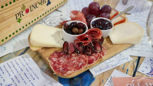 International food blog: International food blog: INTERNATIONAL:  GREEK BOS...