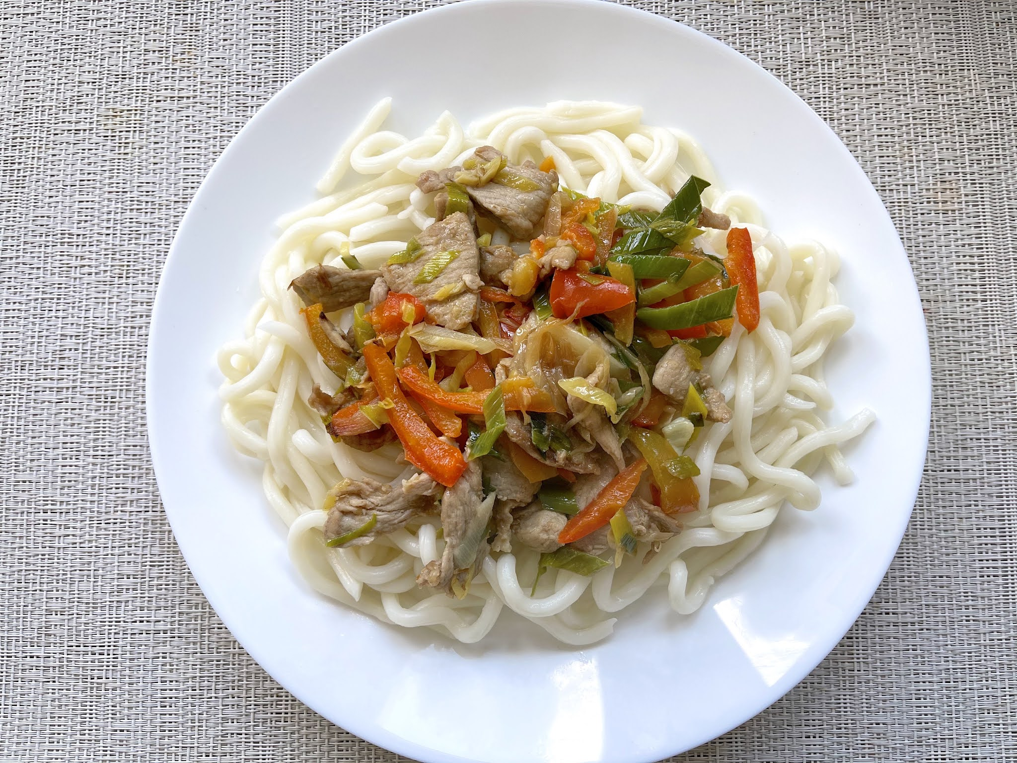 Chinese-Confinement-Recipes-Pork-Pepper-Leek-Stir-Fry-with-Udon