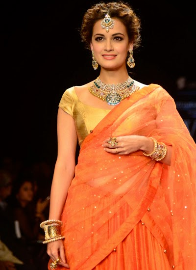 Dia Mirza rocks the ramp for Shobha Shringar show at IIJW 2014
