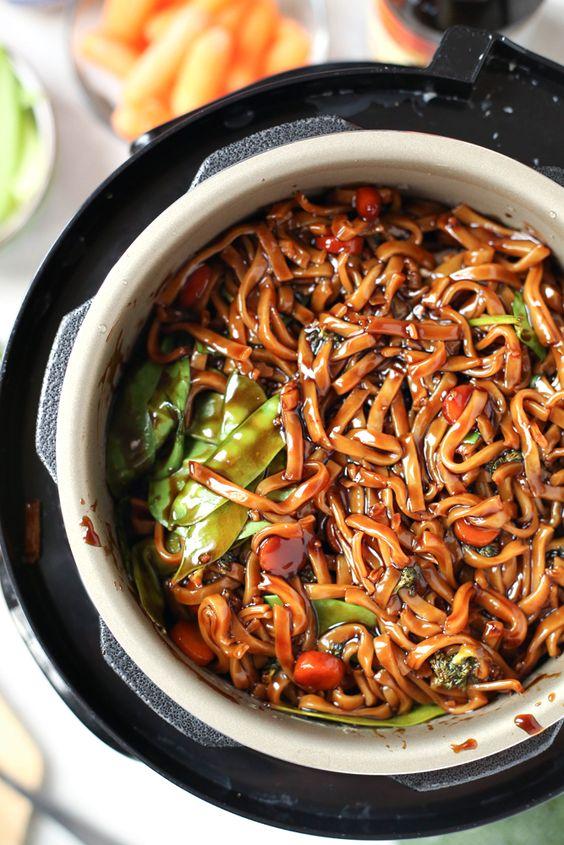 Instant Pot Lo Mein