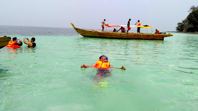 Paket Wisata Snorkling Pulau Abang Batam-One Day Tour