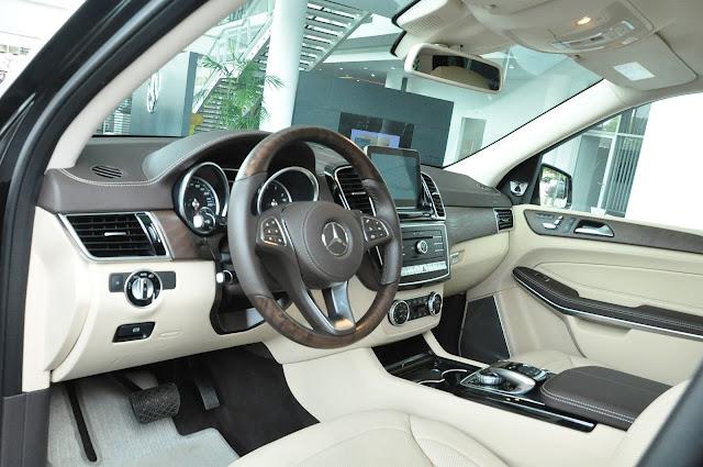 Nội thất Mercedes GLS 500 4MATIC thiết kế rộng rãi thoải mái.