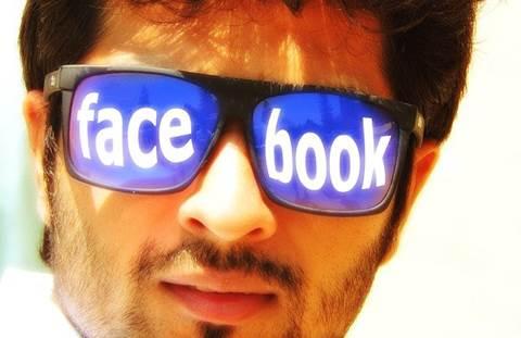 Santai, Bro! Inilah 4 Sikap yang Wajib Dimiliki Para Pengguna Media Sosial
