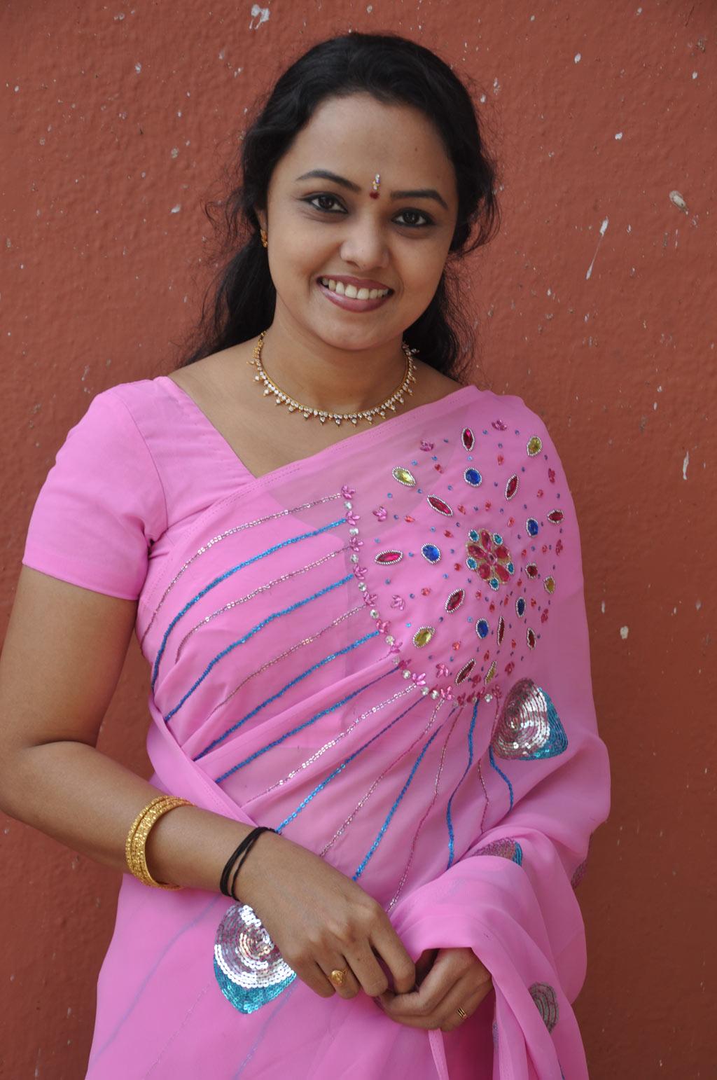 Tv Actress Lavanya Hot In Rose Saree Stills  Cinindya-1102