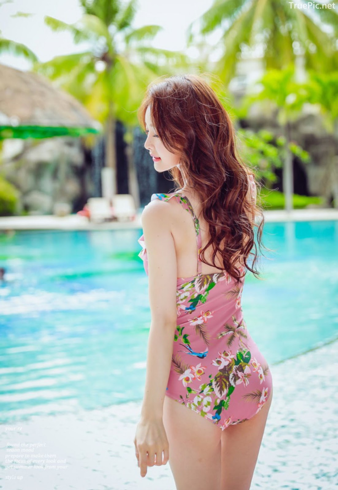 Korean lingerie queen model - Kim Hee Jeong - Floral Pink Swimsuit - Picture 8