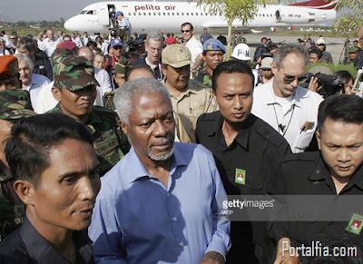 Kofi Annan datang  ke Aceh