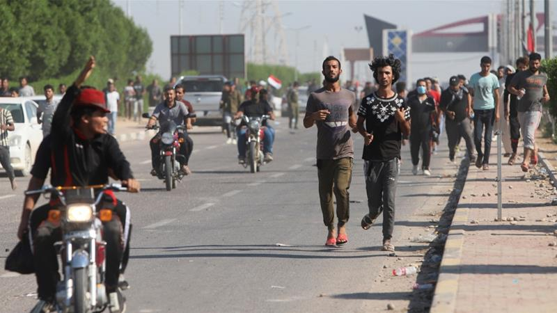 Three protesters killed in south Iraq as pressure on gov't mounts