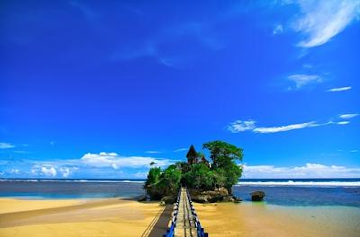 Bali Beach Move on to Malang Balekambang