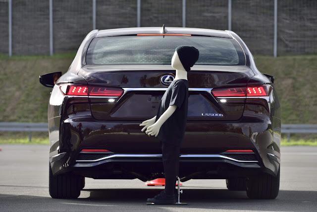 Carros Toyota terão condução autônoma em 2020