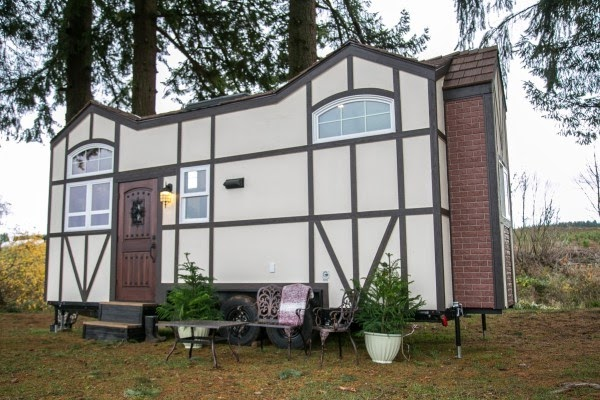 03-Exterior-Photograph-Tiny-Heirloom-Tudor-Style-Tiny-House-on-Wheels-www-designstack-co