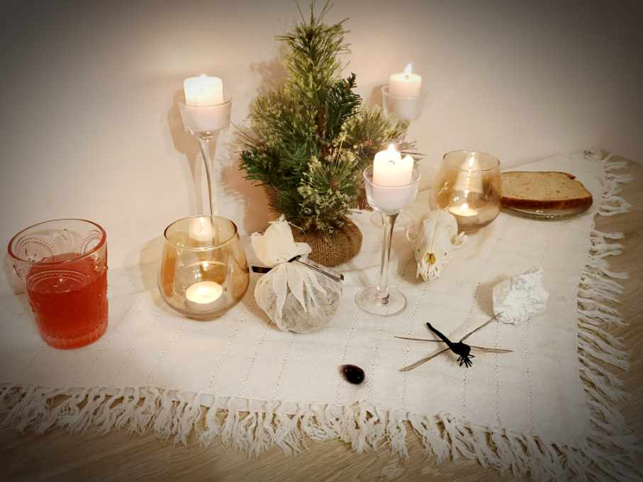 ritual, witchcraft, new year, tarot, spell, hedgewitch, altar