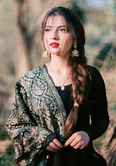 pawri ho rahi hai girl instagram, pawri ho rahi hai girl name, meme, trend in India and Pakistan, meaning, original Song, Interview in BBC, Nida Yasir