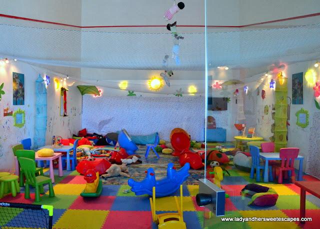 Danat Jebel Dhanna kids play area