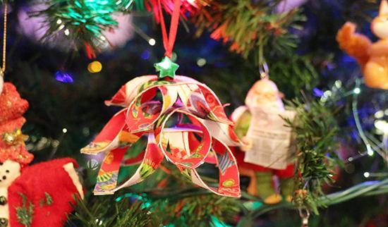 Finished Jingle Tree Ornament Hanging on a Christmas Tree