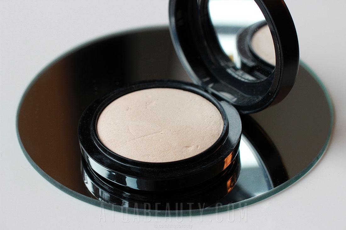 MAC Mineralized Skinfinish Natural w odcieniu Light