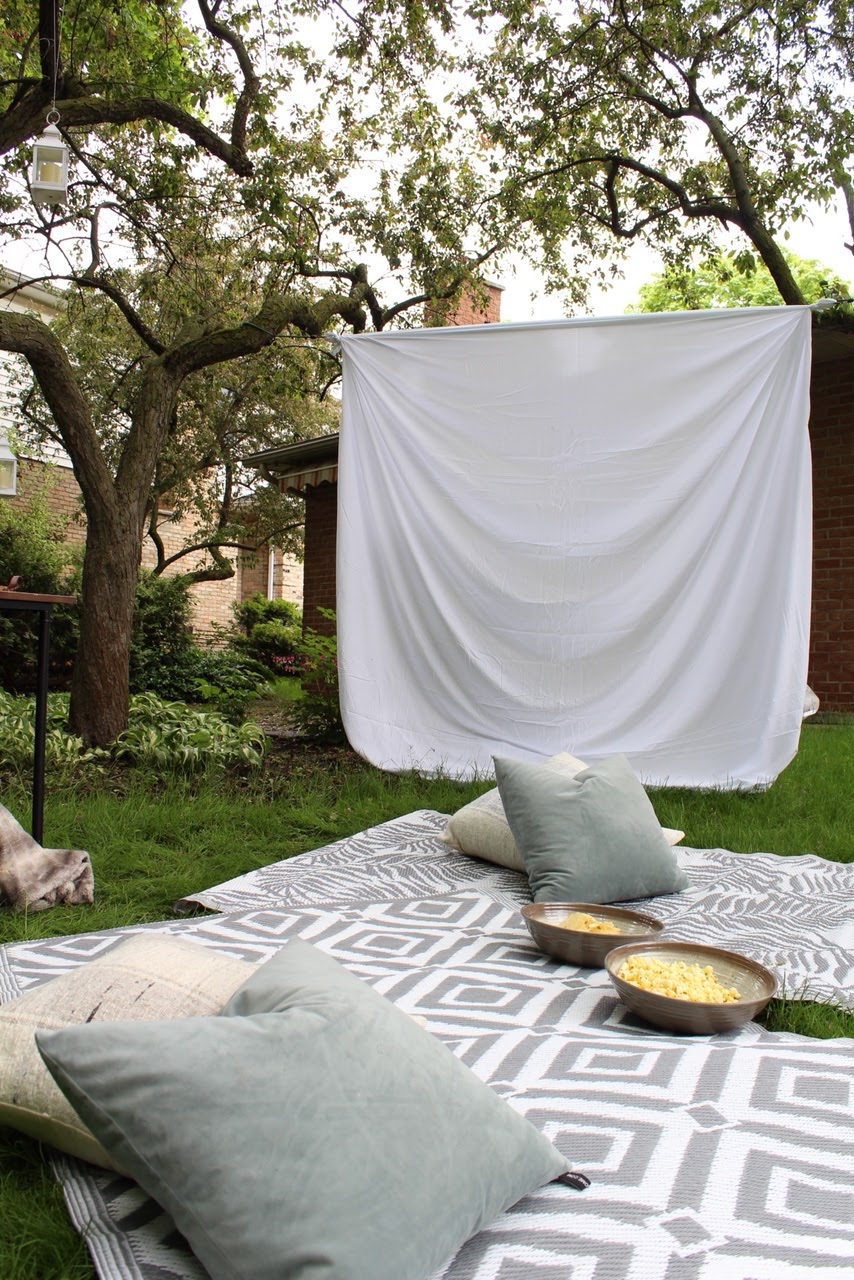 diy-outdoor-movie-night-harlow-thistle-129