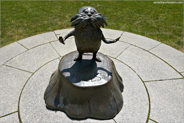 The Lorax en el Dr. Seuss National Memorial Sculpture Garden, Springfield