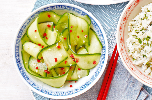 A Healing Cucumber and Garlic Salad That Lowers Cholesterol