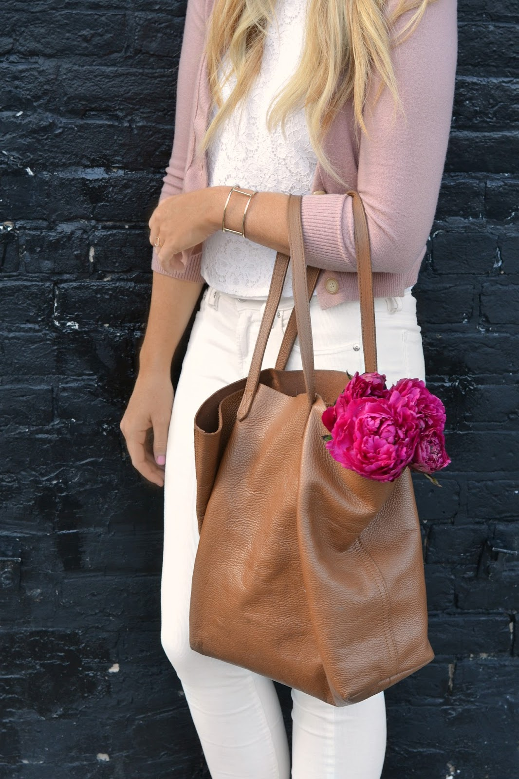 cuyana leather tote caramel