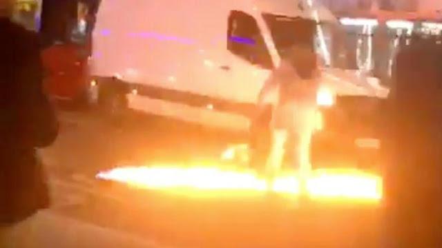 """اصطدام سيارة بمركز شرطة إدمونتون في لندن: شهود يتحدثون عن """"هجوم"""" ، """"ابق آمنًا وكن حذرًا"""" (فيديو)"""