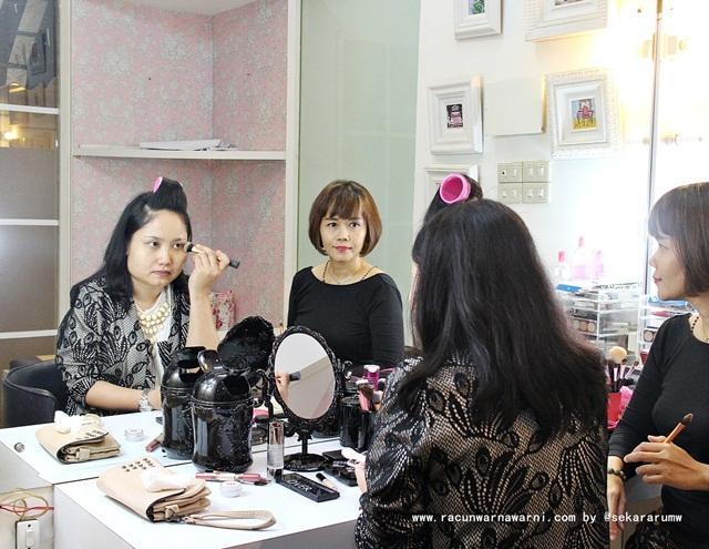 Self Makeup Class