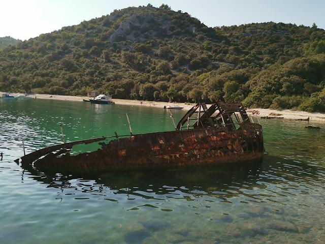 Olupina starog broda Uvala Luka