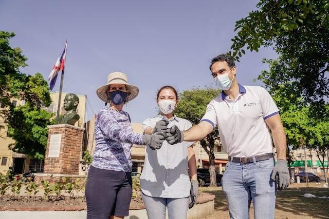 Philip Morris y la Alcaldía del Distrito Nacional recogen residuos sólidos del  Parque Cervantes de Santo Domingo