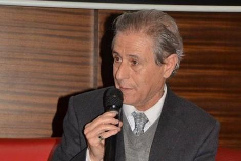 agadir press : عبد الكامل دينية يوقّع ديوان أشعار مزهريّات زجليّة