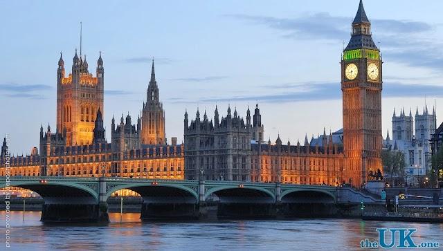У Великій Британії через COVID-19 оголосили повторний локдаун до грудня
