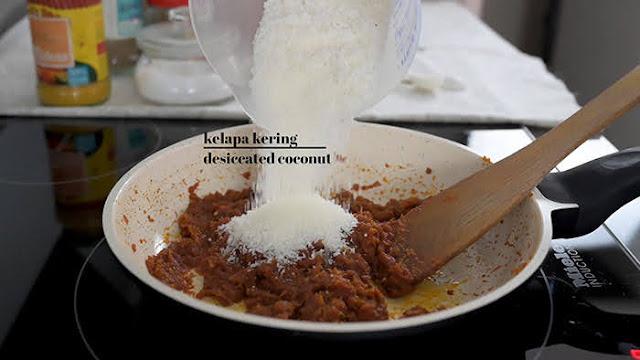 Tambah kelapa kering