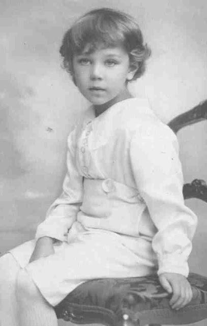 Bertil Gustaf Oscar Carl Eugen, född 28 februari 1912 på Stockholms slott, Stockholm, död 5 januari 1997 på Villa Solbacken, Djurgården, Stockholm