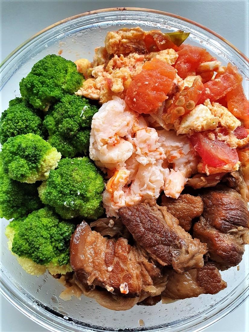 今日午餐:蕃茄炒蛋、青花菜、紅燒肉,2021.04.15