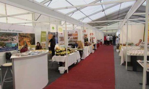 Από την 1η Σεπτεμβρίου ανοίγουν επίσημα τις πόρτες τους οι εμπορικές εκθέσεις για να υποδεχθούν τόσο την εγχώρια όσο και τη διεθνή επιχειρηματική κοινότητα, όπως ανακοίνωσε ο υπουργός Ανάπτυξης και Επενδύσεων, 'Αδωνις Γεωργιάδης κατά την επίσκεψή του στην ειδική έκθεση αμυντικής βιομηχανίας DEFEA – Defence Exhibition Athens, η οποία φιλοξενείται στο Εκθεσιακό Κέντρο Metropolitan Expo.