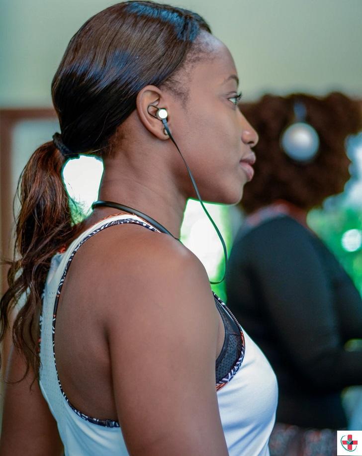 Women with earphones