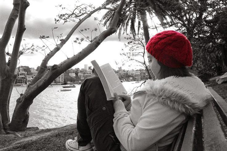 ea81e30ce7 Continuem amb l avanç del Dia del Llibre amb fotografies que reflecteixen  moments lectors. Hui amb fotografies