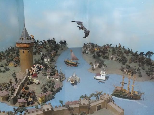 17. yüzyılın ilk yarısında IV. Murat döneminde Hezarfen Ahmed Çelebi, 1638 yılında kendi tasarladığı kanatlar ile Galata Kulesi'nden Üsküdar-Doğancılar'a uçmuştur...