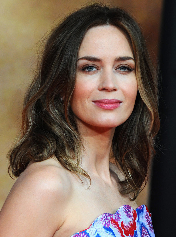 DRAGON: Beautiful Women / Emily Blunt I Emily Blunt