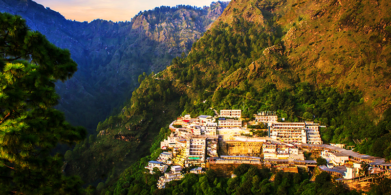 Luxury Bus on Rent from Delhi to Vaishno Devi Tour Packages