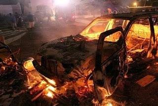 التفاصيل كامله: إشتعال سيارة أعلى الدائرى وهذا ما فعله الأهالى ورجال الإطفاء