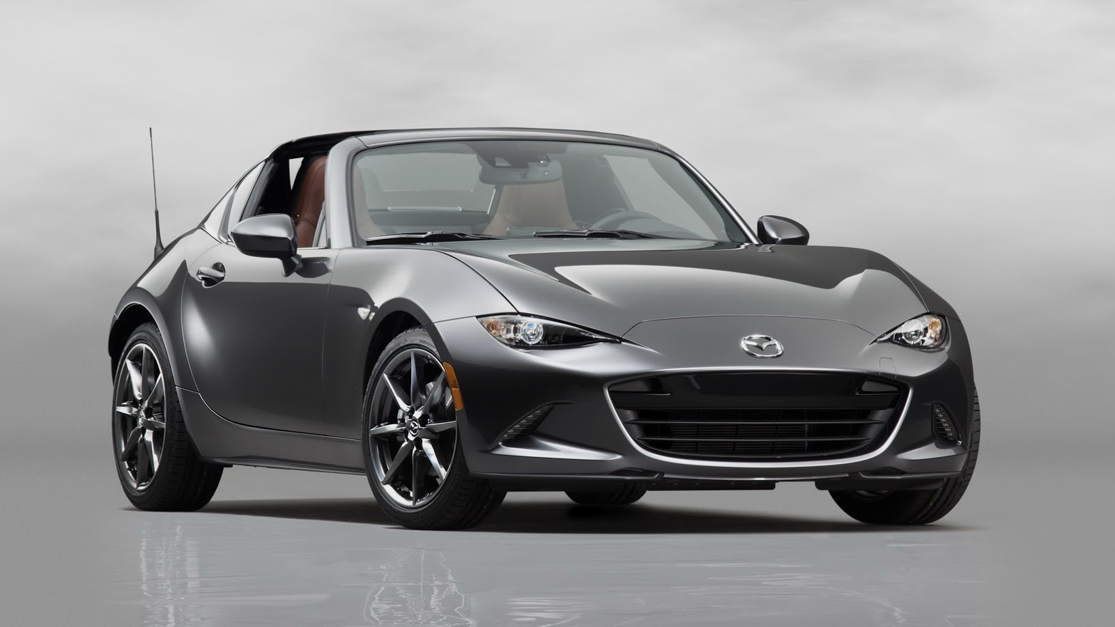 Source http www carscoops com 2017 02 does mazda mx 5 rf need louvers html