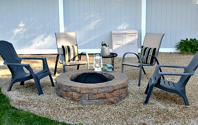 How to add a pea gravel and brick fire pit in the backyard. Homeroad.net