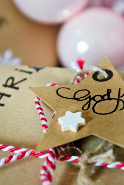 Weihnachtsgeschenke kreativ verpacken.