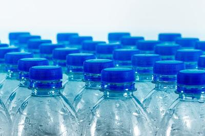 Benarkah Air Banyak Mineral Picu Radang Tenggorokan