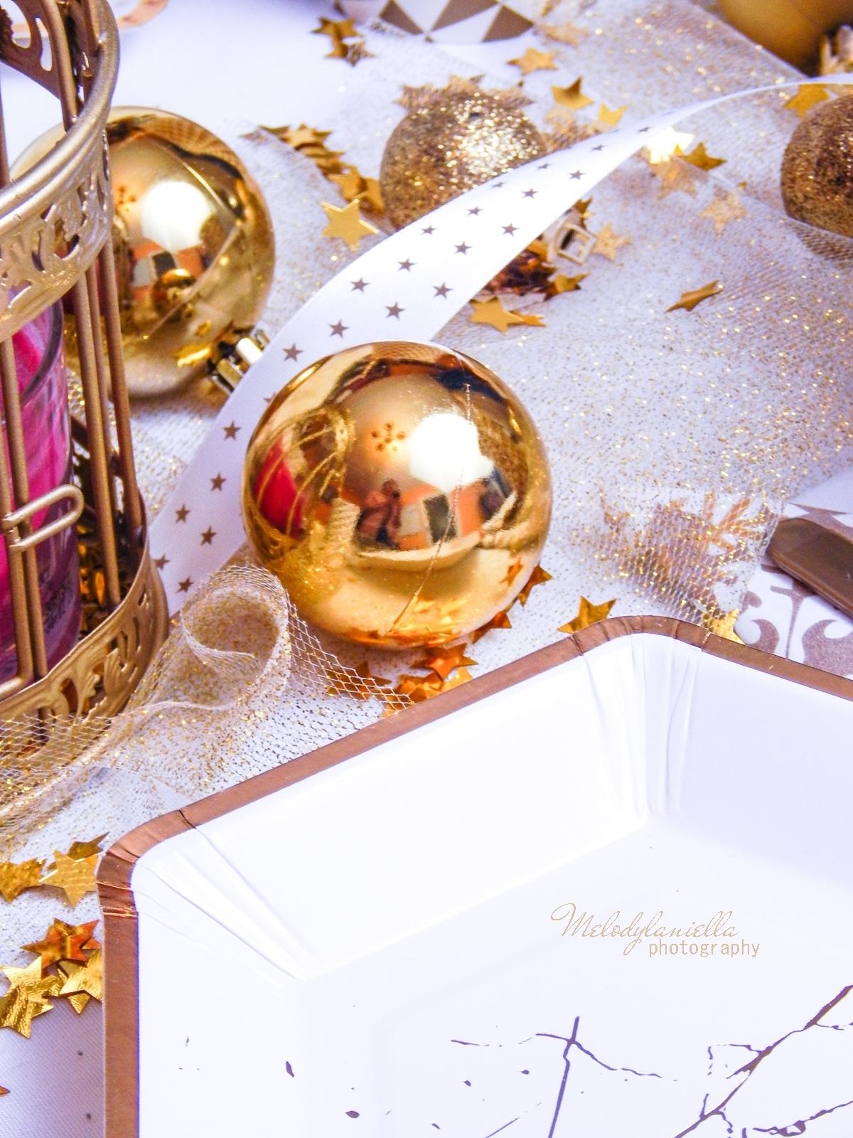 13 partybox pomysły na ciekawe udekorowanie stołu domu impreza ślub wesele ciekawe dodatki stół w kolorze złota melodylaniella